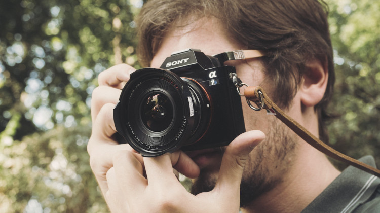 The complete guide to manual focus lenses for the Sony A7 series by Philip Reeve