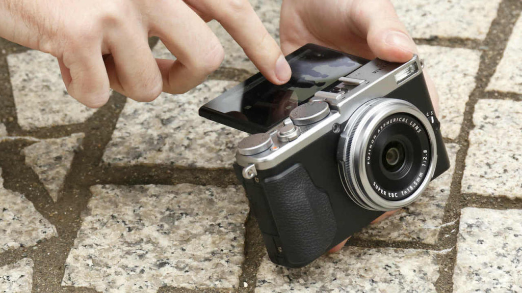 Eyes Unclouded Photography reviews the Fujifilm X70 for street and travel photography